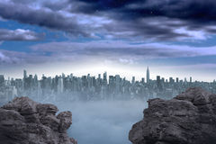 Gran ciudad en el horizonte Fotos de archivo libres de regalías