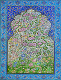 Gran ejemplo de la cultura islámica - tejas históricas con los modelos y las flores Fotografía de archivo libre de regalías