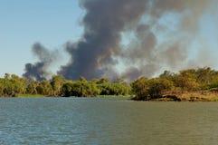 Gran incendio in aperta campagna Fotografie Stock