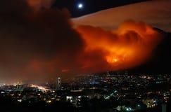 Gran incendio in aperta campagna Città del Capo il marzo 2009 Fotografia Stock Libera da Diritti