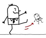 Gran jefe de la historieta que golpea hacia fuera a un pequeño empleado con el pie Imágenes de archivo libres de regalías