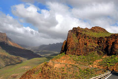 Gran-Kanarienvogel vally im Berg stockbild