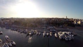 Gran opinión de Portocristo - vuelo aéreo, Mallorca de la puesta del sol almacen de metraje de vídeo