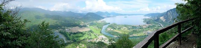Gran panorama Italia, Lago Maggiore de la montaña Foto de archivo libre de regalías