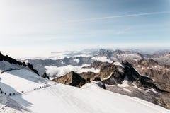 Gran Paradiso bergklättring royaltyfri foto