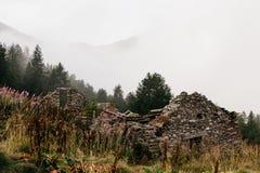 Gran Paradiso bergklättring royaltyfria bilder