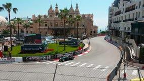 Gran Premio storico 2018 del Monaco davanti al casinò del Monaco stock footage