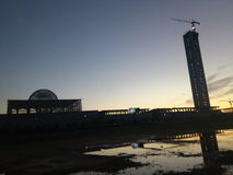 Gran puesta del sol del proyecto de la mezquita de Argel, Argelia Foto de archivo