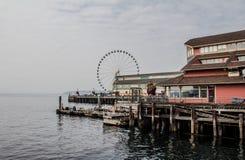 Gran rueda de Seattle por la costa imagen de archivo libre de regalías
