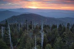Gran salida del sol del parque nacional de las montañas ahumadas. Foto de archivo libre de regalías