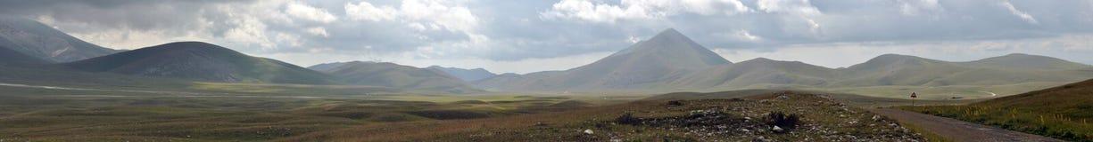 Gran sasso国家公园全景 免版税库存图片