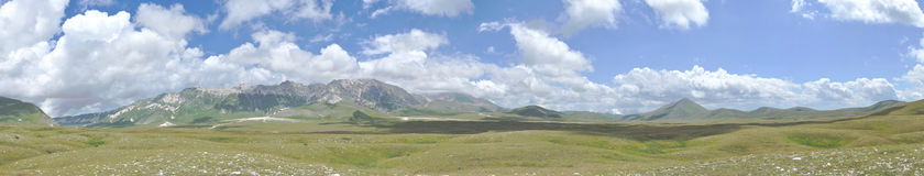 Gran sasso国家公园全景1 免版税库存图片