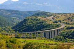 Gran Sasso motorväg i Abruzzo Fotografering för Bildbyråer