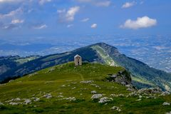 An overview that captures the mountain chain Gran Sasso located in the National Park Gran Sasso in Prati di Tivo,Teramo province,A. Gran Sasso mountains chain royalty free stock images