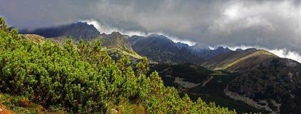 Gran vista de las montañas de Tatra Foto de archivo libre de regalías
