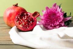 granaatappel en Chrysant Stock Foto's