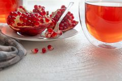 Granaatappel en granaatappelthee stock fotografie