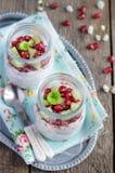 Granaatappel en kiwi de pudding van chiazaden Royalty-vrije Stock Foto