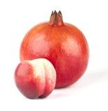 Granaatappel en nectarine Royalty-vrije Stock Foto's