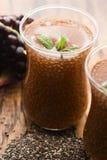 Granaatappel smoothies met chiazaden royalty-vrije stock foto