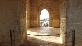 Granada Andalucia, Spanien - April 17, 2016: Alhambra historisk byggnadstruktur arkivfilmer