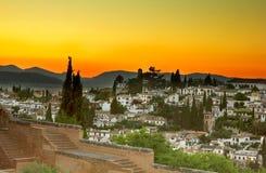 Granada bij zonsondergang, Spanje Stock Afbeelding