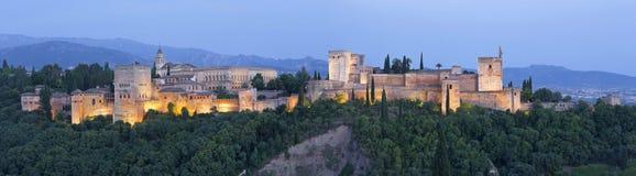 Granada - das Panorama des Alhambra-Palast- und -festungskomplexes Lizenzfreies Stockbild