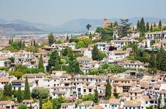 Granada - der Blick zum Albayzin-Bezirk von Alhambra-Palast Stockfotografie