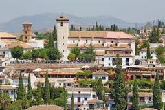 Granada - der Blick zur Sankt- Nikolauskirche von Alhambra FO Stockbilder