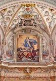 Granada - il dettaglio dell'affresco in santuario barrocco in chiesa Monasterio de la Cartuja con l'assunzione della pittura verg immagine stock