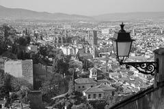 Granada - la prospettiva sopra la città con la cattedrale Immagine Stock