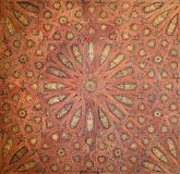 Granada - o detalhe de teto de madeira mudejar no palácio de Nasrid em Alhambra Imagem de Stock