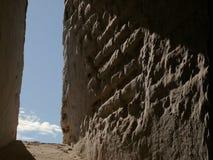 granada spain En forntida vägg i Alhambraen arkivbild
