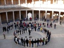 Granada Spanien 01/05/2007 K?r p? Palazzoen Carlo i Alhen royaltyfria bilder