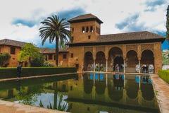 Granada Spanien - 5/6/18: Torre de las Damas El Partal arkivfoton