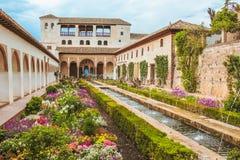 Granada Spanien - 5/6/18: Trädgårdar av Generalife arkivbilder
