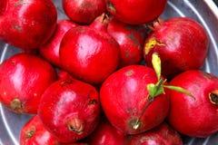 Granadas deliciosas maduras vermelhas Foto de Stock