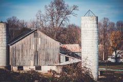 Granai e silos in Maryland fotografie stock libere da diritti
