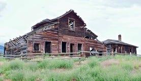 Granaio abbandonato decomposto, Osooyoos, Columbia Britannica, Canada Fotografia Stock