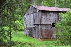 Granaio all'antica di NC della montagna rurale occidentale del paese fotografie stock