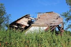 Granaio crollato dopo la tempesta Immagini Stock Libere da Diritti