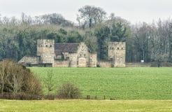 Granaio del castello vicino al villaggio di volano, Gloucestershire, Regno Unito immagine stock libera da diritti