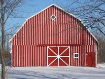 Granaio di colore rosso del paese Immagini Stock Libere da Diritti