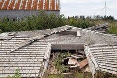 Granaio di legno crollato Immagini Stock