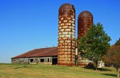 Granaio e silos Immagine Stock