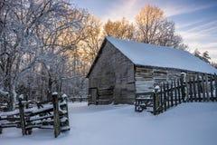 Granaio primitivo, inverno scenico, parco nazionale del Cumberland Gap immagini stock libere da diritti