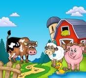 Granaio rosso con gli animali da allevamento Immagine Stock Libera da Diritti