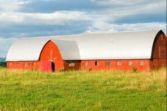 Granaio rosso del paese Immagini Stock Libere da Diritti