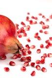 Granatapfelsamen auf weißer Hintergrund Punica granatum stockfoto