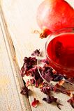 Granatapfeltee. Roter Tee. Stockfotos